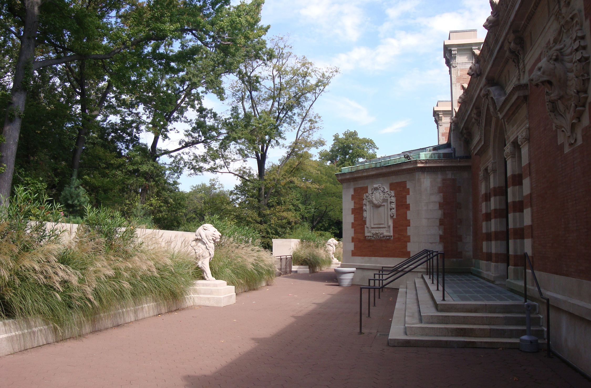Bronx Zoo lion house